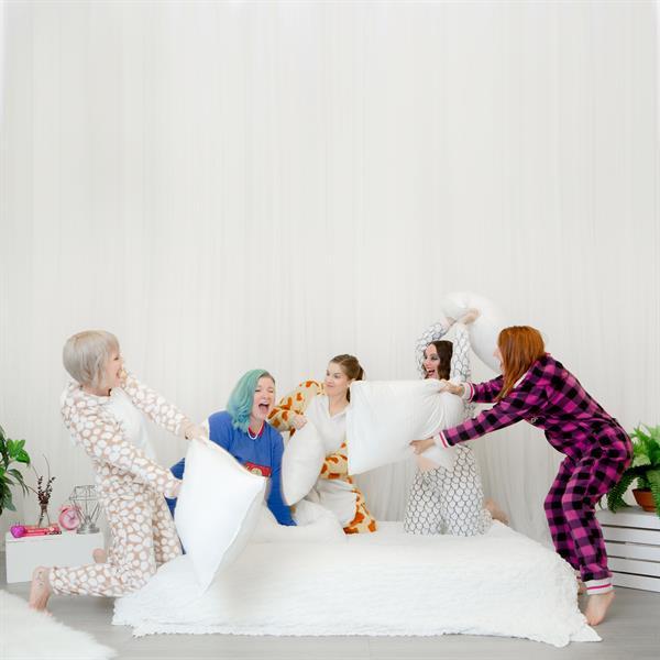 Photos with Friends . . . Pyjama Party