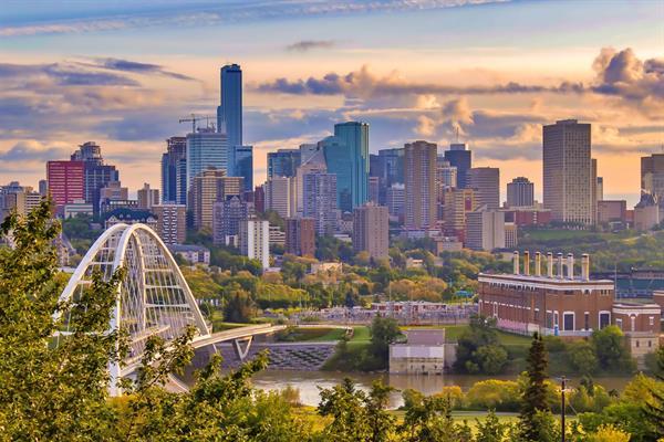 Gallery Image Edmonton_Daytime_.jpg
