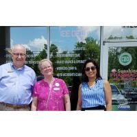 Einstein Advisors and Sunshine Pharmacy Team Up to Help the Community