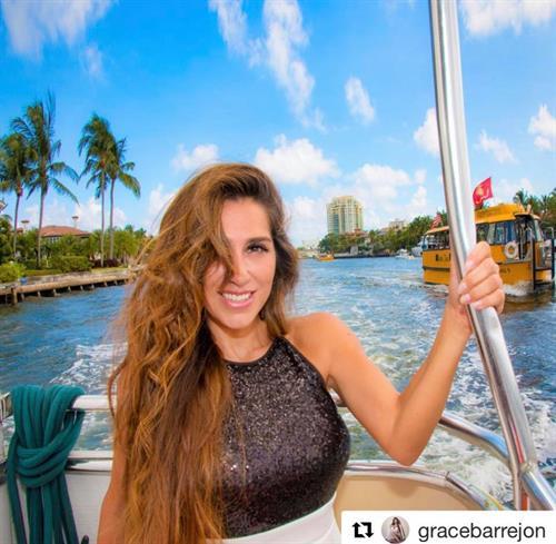 Gallery Image Beautiful_woman_2_on_water_taxi.jpg