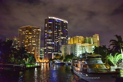 Gallery Image City_lights_on_the_New_River_by_Tom.jpeg