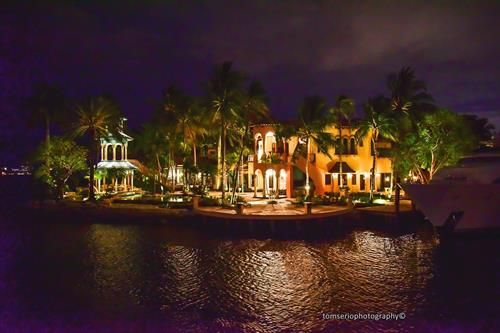 Gallery Image Heizenga_Mansion_at__Night_2_by_Tom.jpeg