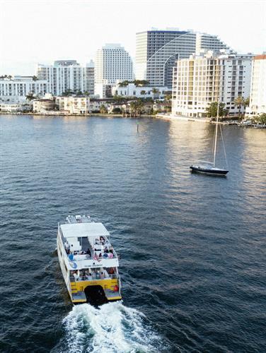 Gallery Image Open_Water_Island_Boat_2.jpg