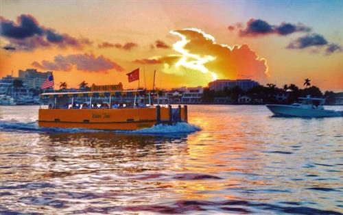 Gallery Image Water_Taxi_at_Sunset.jpg