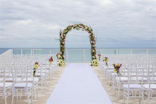 Margaritaville Hollywood Beach Resort hosts award-winning weddings, both indoors as well as outdoors on their 11th Floor scenic oceanview terrace, or their beachfront.