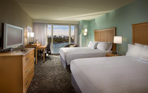 Gallery Image CY-FLLCO-Intracoastal_Queen_Queen_Guest_Room.jpg