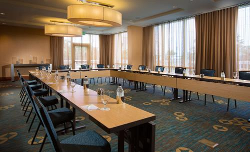 Gallery Image CY-FLLCO-Meeting_Room_Seabreez.jpg
