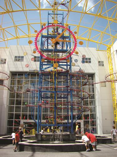 The Great Gravity Clock stands fifty-two feet tall and is the biggest kinetic energy sculpture in Florida. Located in the Museum's Grand Atrium since 1993, this unique timepiece is one of the only three that exist in the world.