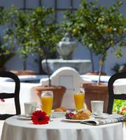 Courtyard 'Breakfast