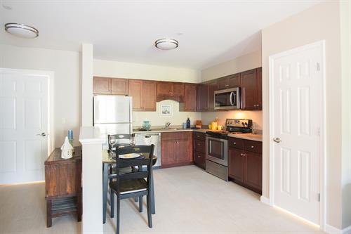 1 Deluxe Bedroom Kitchen