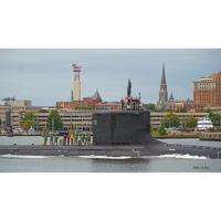 Submarines, Battlefields & Betrayers Boat Tour: Military Stories on the Thames