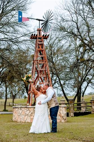 Gallery Image GREAT_WEDDING_PIC_with_Windmill.jpg