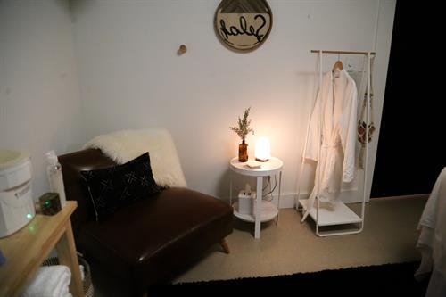 Gallery Image corner_room.jpg