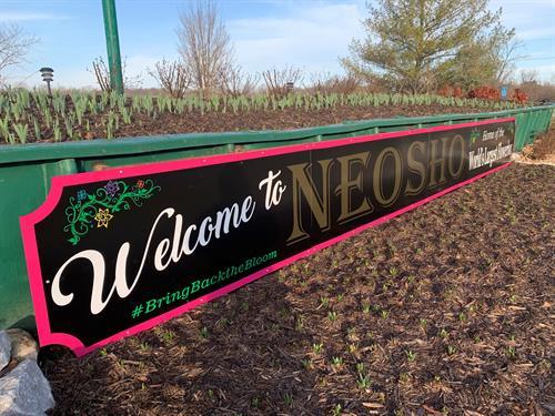 Neosho Flowerbox