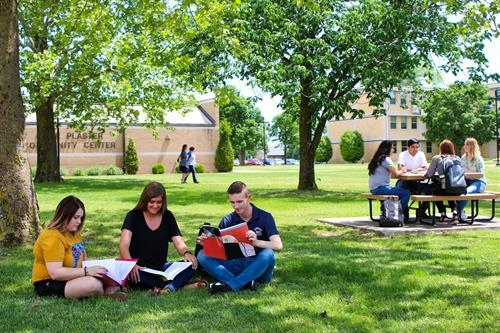 Crowder College - Students on the Quad
