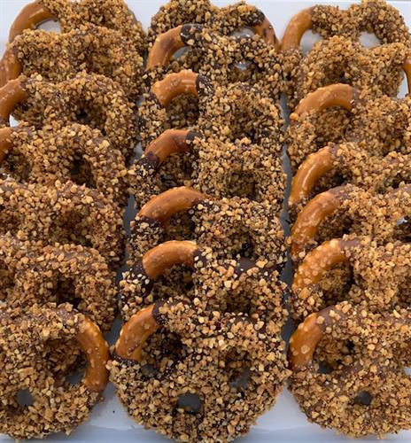 Milk and Dark Chocolate Pretzels Twist with Caramelized Hazelnuts