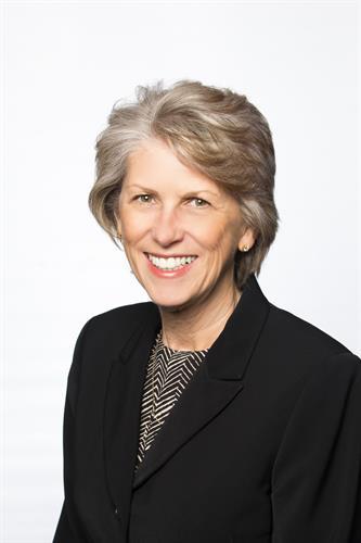 Marlene Ayala, Vice President & Banking Manager