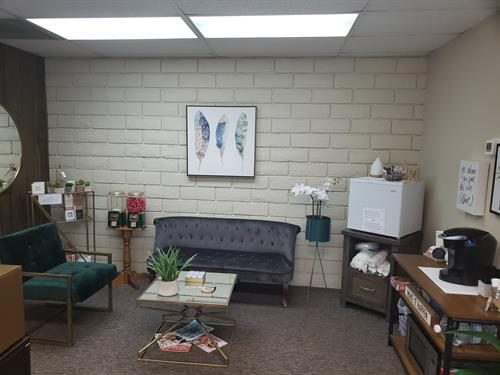 The waiting area for Davenport Counseling