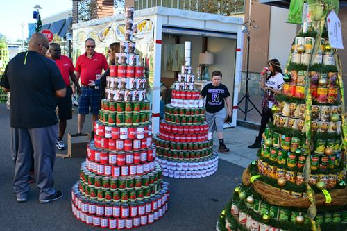 PODS caravans a wealth of canned goods for FOOD Share's annual CAN-tree Collection at The Collection at RiverPark