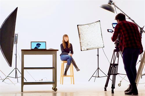 Gallery Image Woman_in_Video_Set_Cropped_2.jpeg