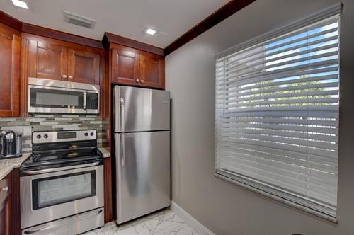 Updated Kings Point 2/2 Condominium $135,000