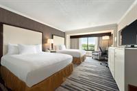 Gallery Image 2_Queen_Bed_Guest_Room.jpg