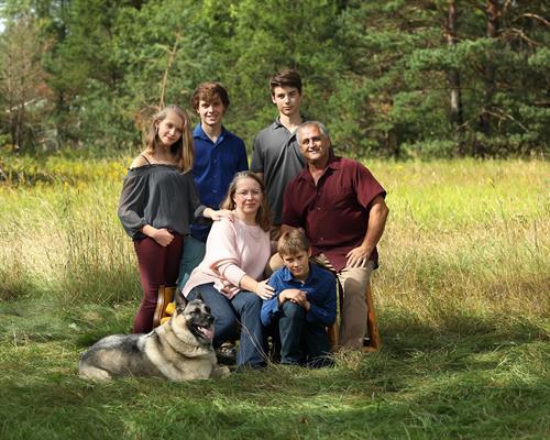 This is us! Now, do as I say AND do! Get a Family Portrait!