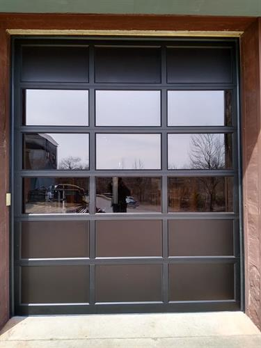 Gallery Image customer_11_full_view_aluminum_door.jpg
