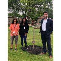TOMPKINS VIST BANK DONATES TREE TO MARY'S SHELTER