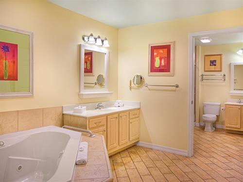Branson MO, Wyndham Mountain Vista - Master Bath