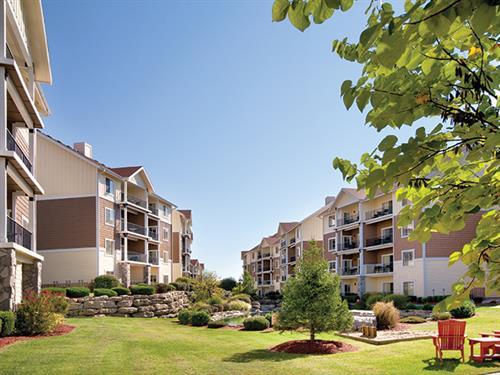 Branson MO, Wyndham Mountain Vista - Courtyard