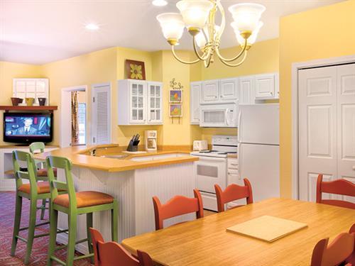 Branson MO, Wyndham Mountain Vista - Dining Area & Kitchen