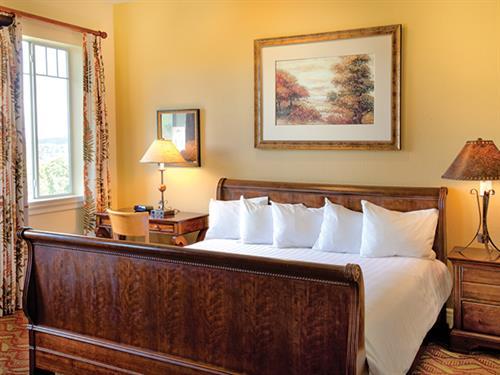 Branson MO, Wyndham Mountain Vista - Master Bedroom