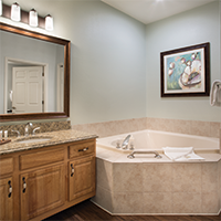 Branson, MO - Wyndham Branson at the Meadows, Three-bedroom Whirlpool Tub