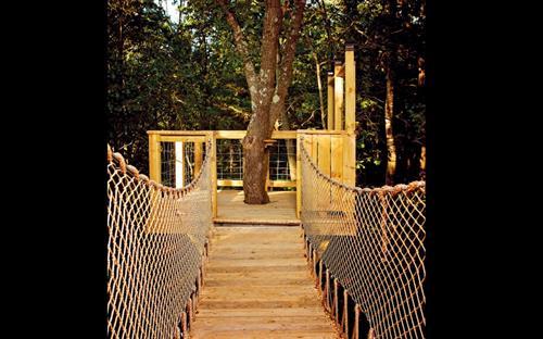 Gallery Image bellesarborswingbridge.jpg