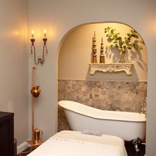 Tub room