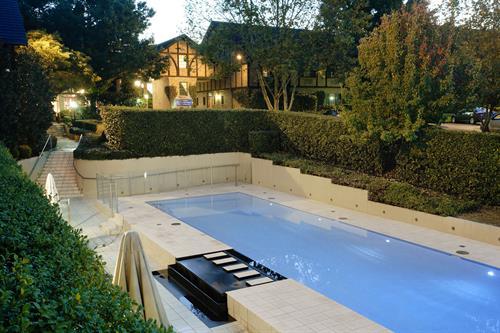 Hills Lodge Pool & Gardens
