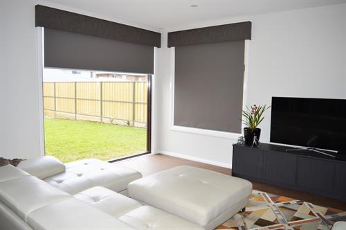 roller blinds and pelmets