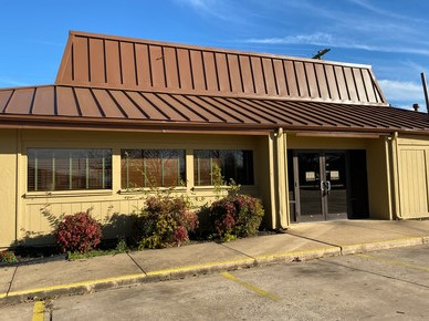 Former Pizza Restaurant on big lot!  Commercial!  Listed at $250,000.00