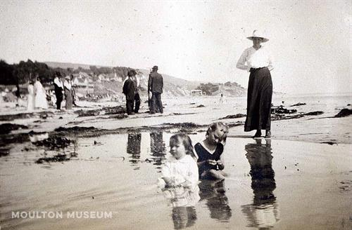 Nellie Gail Moulton with Charlotte and Louise in Laguna Beach, circa 1920s