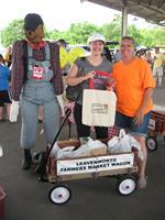 Leavenworth Farmers Market Sampler Bag is a popular contest at The Market