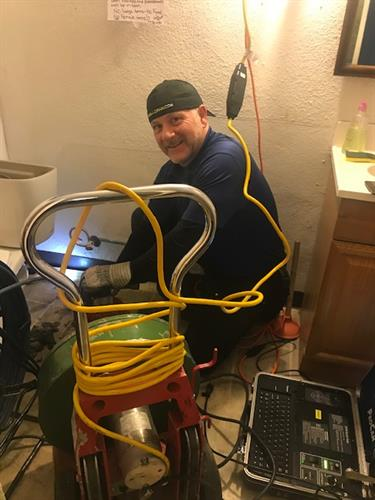 Gallery Image jerry_drain_cleaning.jpg
