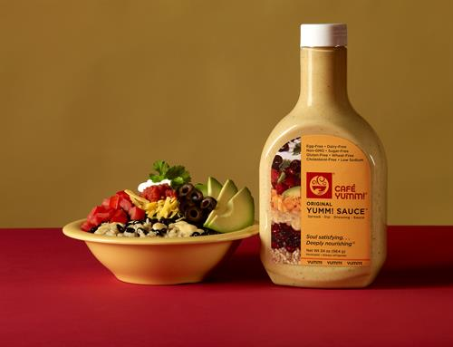 Gallery Image Cafe-Yumm---Original-Yumm-Bowl---Yumm-Sauce-Liter-Bottle.jpg
