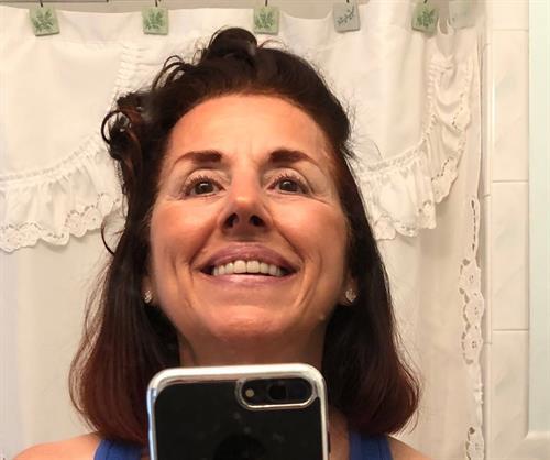 Gallery Image Selfie-HairBack2018.jpg