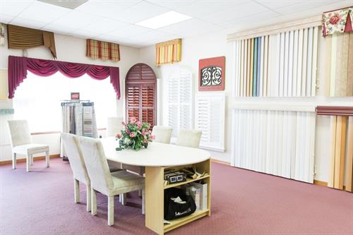 Custom Discount Blinds Showroom in Spring Hill, FL