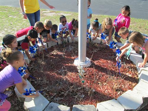 Head Start children recognizing child abuse awareness