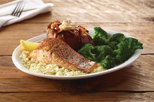 Cheddar's Scratch Kitchen - Grilled Salmon