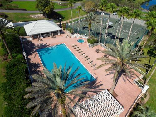 Member Exclusive Pool & Tennis Courts