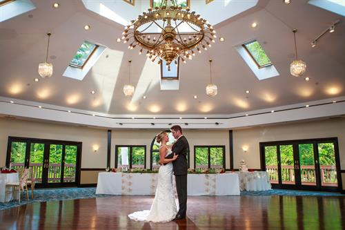 Luxurious Ballroom with Grand Chandelier