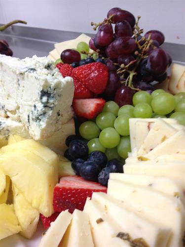Gallery Image close_up_fruit_cheese_plate_large.JPG